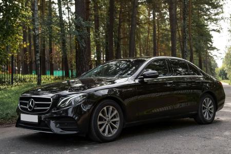 Mercedes-Benz E 213